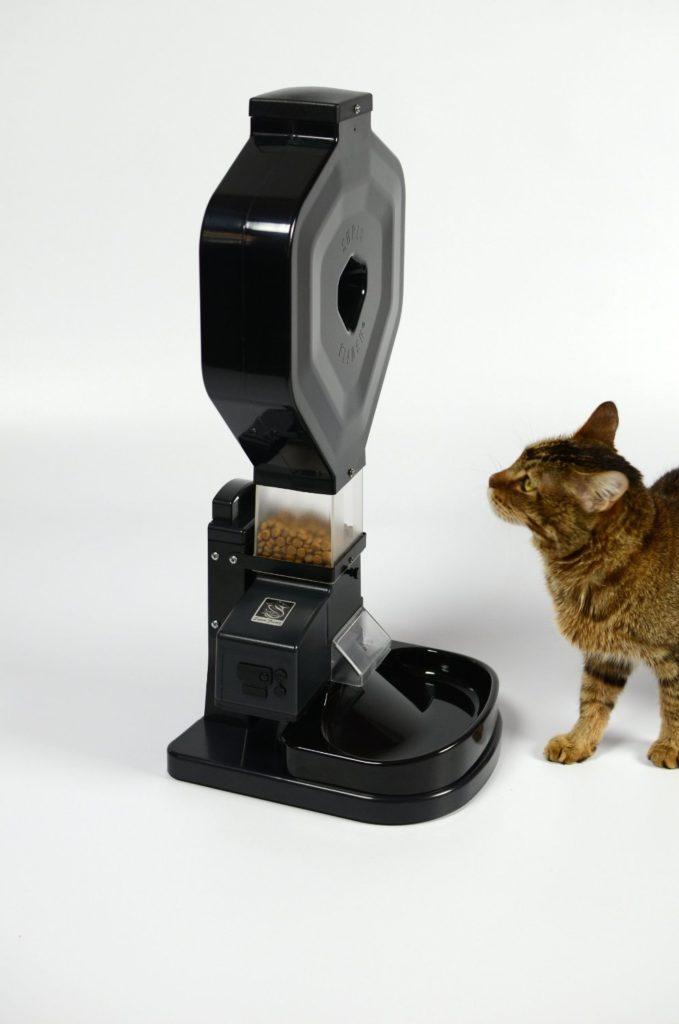 A review article on thisd amazing automated cat feeder